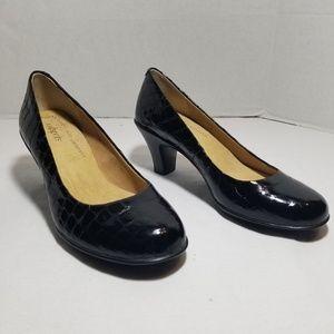 Softspots Leather Black Pumps| Croc Print | 7W